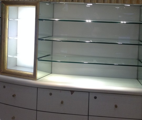 Empty_Shelves